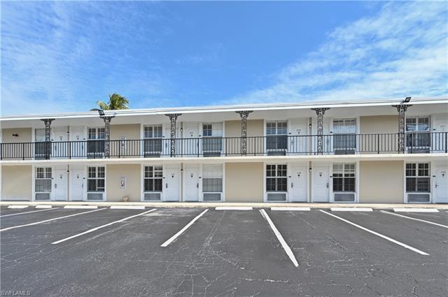 2555 Tamiami Trl N 211, Naples, FL, 34103
