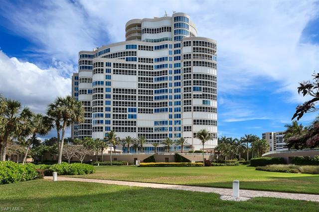 Enjoy the best that Naples has to offer in this extraordinary beachfront unit in the middle of Park