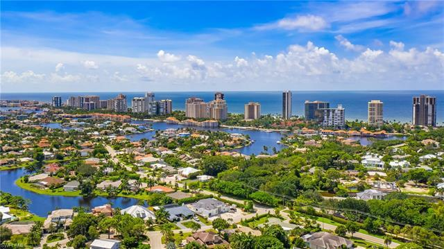 Located in one of the most desirable neighborhoods in Naples sits 767 Park Shore Drive. The lot is c