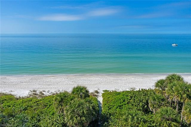 Directly on the sugary sand of the Gulf of Mexico and a short distance on the beach to the Bay Colon