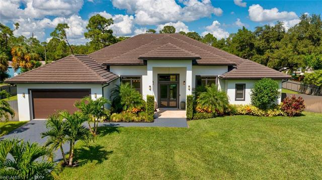 Magnificent and private describes this large 2017 contemporary build pool/spa family compound home,