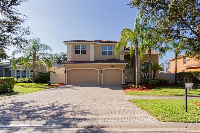 Welcome to Indigo Lakes, one of the best kept secrets in N. Naples. This 5 Bedroom + Bonus room (off