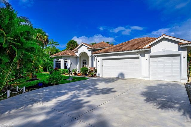 LOCATION AND BUILD QUALITY!!! For sale is an awesome Sierra Preserve model home built by the Gulfstr