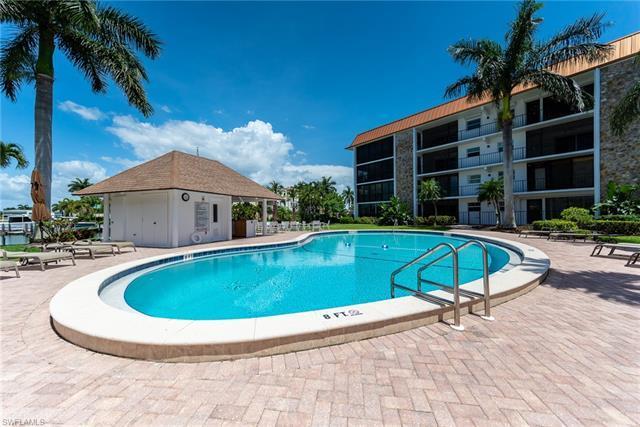 2900 Gulf Shore Blvd 205, Naples, FL, 34103