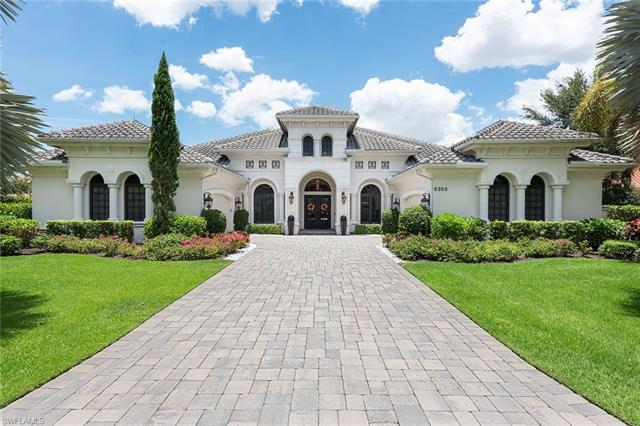 This gorgeous, 3BR+ Den / 4 1/2 BA, custom-built, lakefront home epitomizes the ultimate luxury life