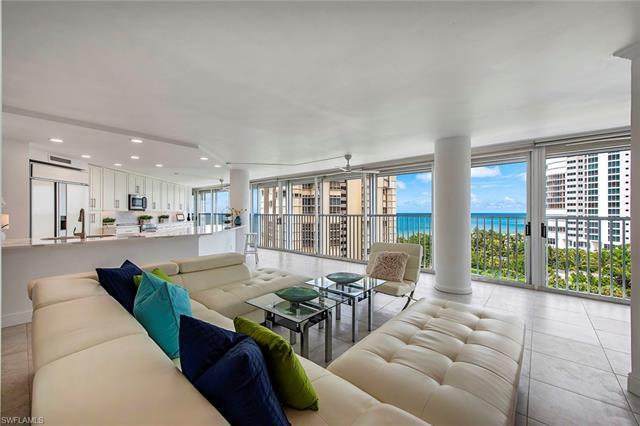 Outstanding Gulf views from every room with this newly renovated condo.Entertaining is easy with an