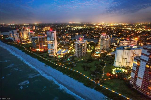Never lived in!!! Unobstructed western views directly to the beach and Gulf of Mexico with 10'+ ceil