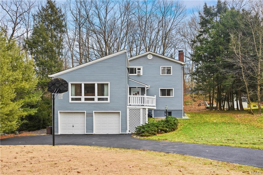 Wonderful light and bright split/contemporary style home in the village.  Home has been meticulously