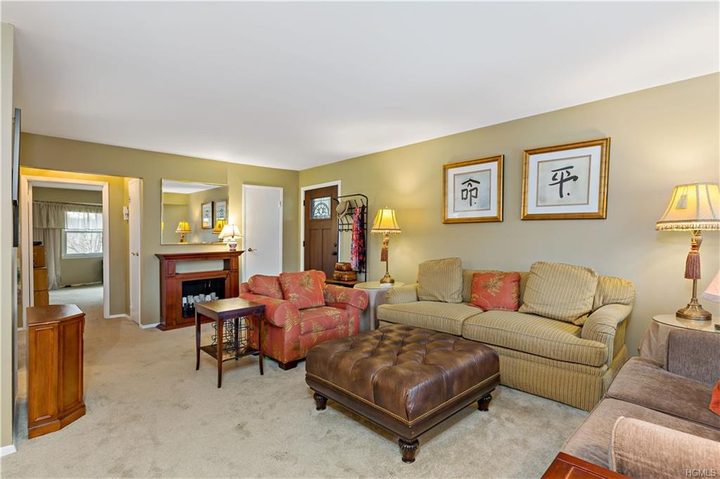 MOVE RIGHT IN, Gorgeous & Pristine describes this Meticulously Maintained, Upgraded, Spacious condo