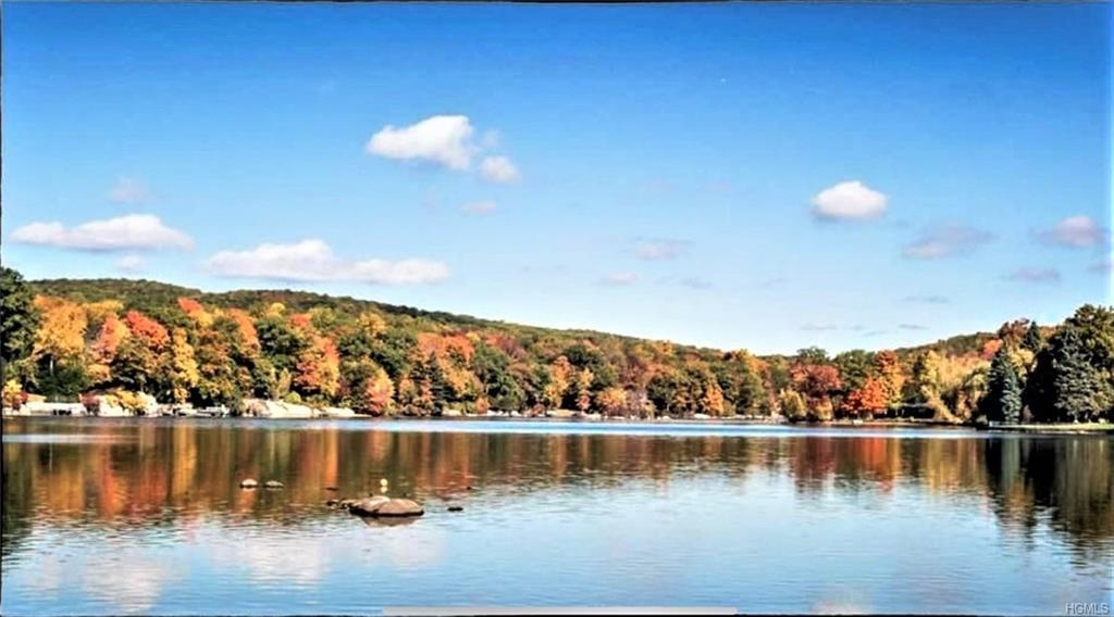 "Welcome to ""Roaring Brook Lake"", a private Lake Community with 5 beaches for boating, swimming & fis"