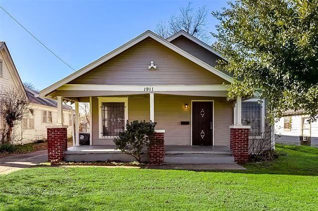 Welcome home to this perfectly located 2 bedroom 1 bath home . This home boast bonus space. 2 living