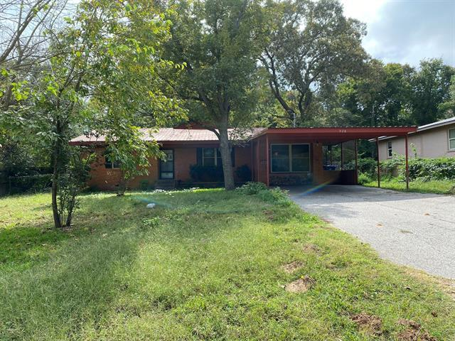 So many possibilities with this home, Investor's welcome. It is a 2 bedroom 2 bath, could be 3 possi