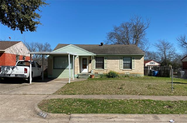 Investor special! This lovely home situated only 15 minutes from downtown Dallas. Cash offers. Sold