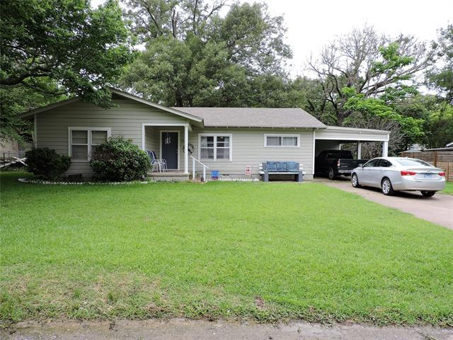 Nice 3 bedroom, 2 bathroom home near downtown Athens and Trinity Valley Community College. This home