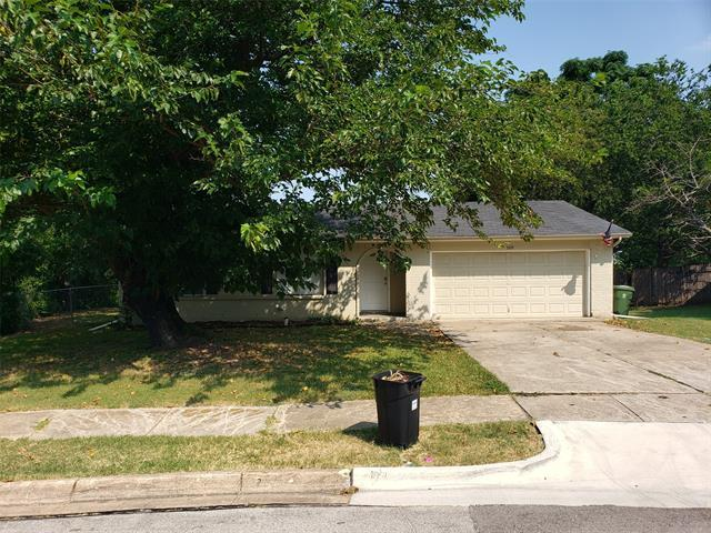 This beautiful 3 bedroom, 2 bathroom home is ready for immediate move in! This home is basically maintenance free with the laminate hardwood flooring throughout the home except for the bedrooms. Black kitchen appliances, including refrigerator, remain with the home. Major components are well maintained and recently replaced. Large backyard that backs up to a greenbelt. Priced well and ready to move!