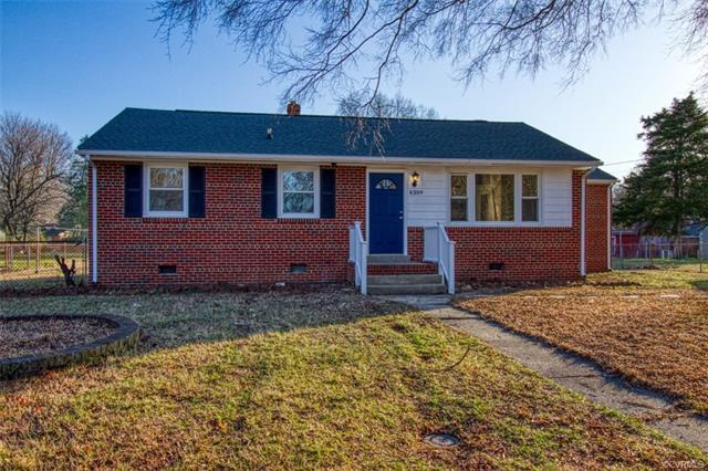Charming Turn-Key Ranch Home located in a Quiet Neighborhood of Chesterfield on Cul de Sac! This hom