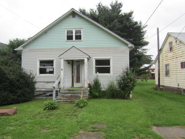 611 Walker St, PA, 15542