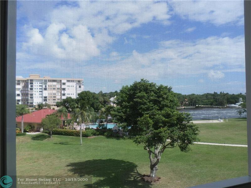 Direct Intracoastal and pool view.  The screened balcony and the living and dining areas look out to the Intracoastal.  There are also great water views from the spacious master bedroom which has a large walk-in closet plus two other closets.  Fully equipped kitchen kitchen with ample cupboard space.  Included in the rental fee is cable tv, internet, and water.  The heated pool, clubhouse and BBQ areas are situated next to the Intracoastal.  Palm-Aire is an all-age community in the heart of Lighthouse Pt.  Boat dockage (as available) on the three canals that surround the complex.  Dock fees are $3 per ft.