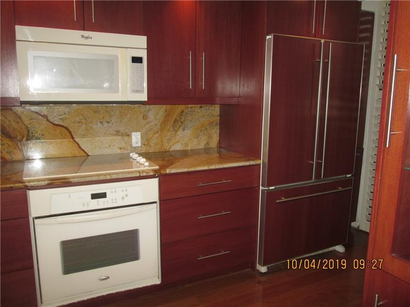 Refrigerator custome to match cabinets