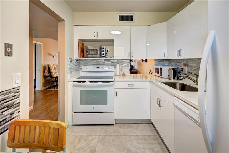 Beautiful all white kitchen