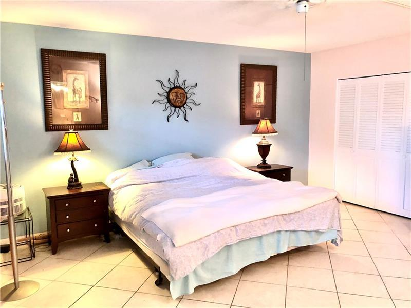 Extra Large Master Bedroom with 2 HUGE Closets