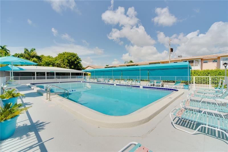 Meticulously maintained community pool