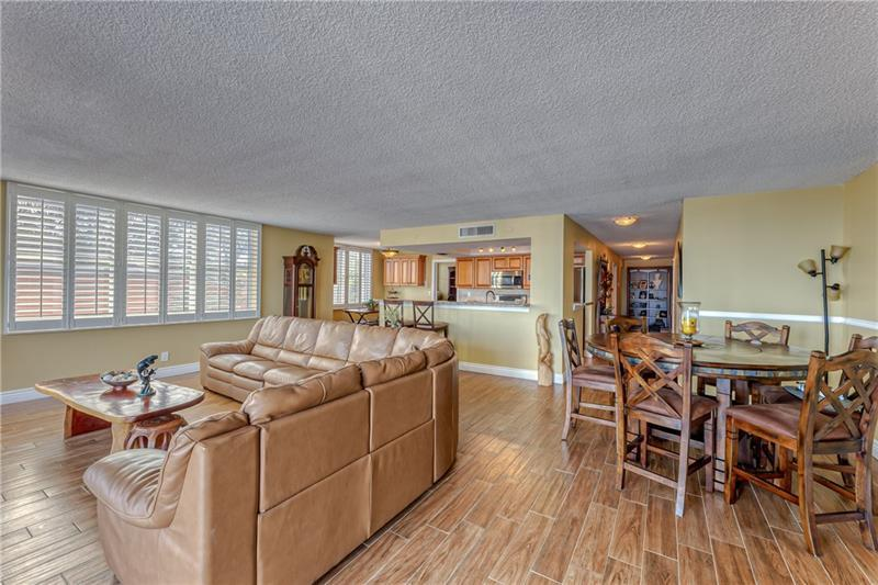 Large and spacious main living area
