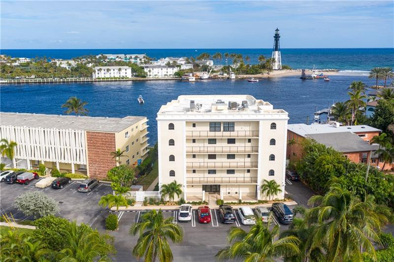 Boutique building locate in the Hillsboro Inlet for the best views in town.