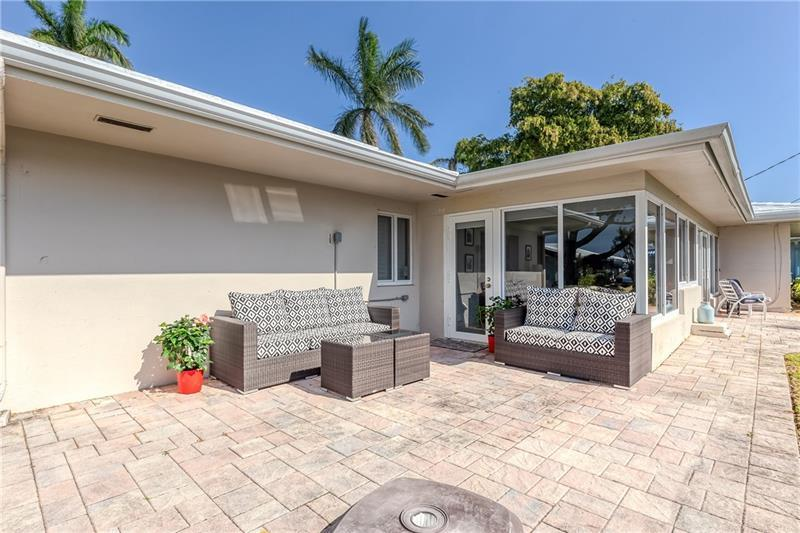 Enjoy the gorgeous south Florida weather from your back patio