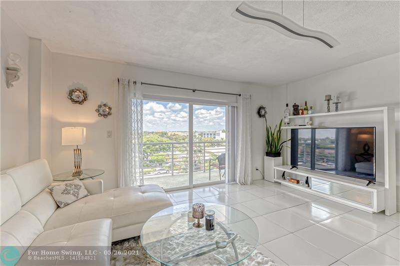 **BEAUTIFULLY UPDATED 1/1 APARTMENT IN LAUDERDALE TOWER CONDO, LOCATED DIRECTLY ON INTRACOASTAL WATERWAY ACROSS FROM GREAT RESTAURANTS, CLOSE TO SHOPPING & WALKING DISTANCE TO THE OCEAN. WATCH BOATS GO BY FROM THE STUNNING POOL AREA. UNIT FEATURES GORGEOUS INTERSECTING CANAL & DOWNTOWN FORT LAUDERDALE VIEWS, PLENTY OF NATURAL LIGHT, TILE FLOOR THROUGHOUT, IMPACT WNDOWS, OPEN KITCHEN WITH ST. STEEL APPLIANCES & GRANITE COUNTERTOP, WALK-IN CLOSET IN THE MASTER, STORAGE CLOSET IN THE FOYER.        **2 PETS UNDER 25LBS ARE WELCOME. **BUILDING AMENITIES INCLUDE STUNNING POOL AREA WITH INTRACOASTAL VIEWS, FITNESS CENTER, LOBBY SECURITY, KITCHEN & BBQ GRILLS. **LISTING AGENT LIVES IN THE BUILDING. EASY TO SHOW.