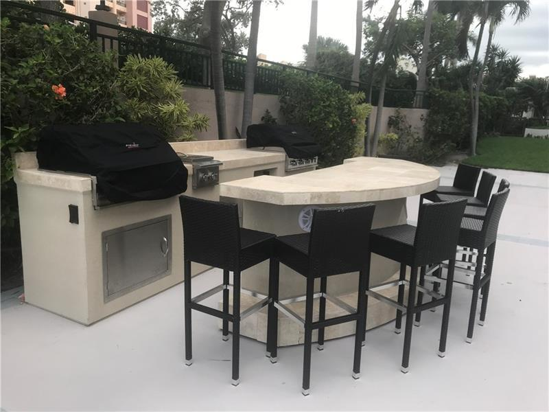 Whether you are just cooking a steak or having a party with friends by the pool the BBQ kitchen is ready