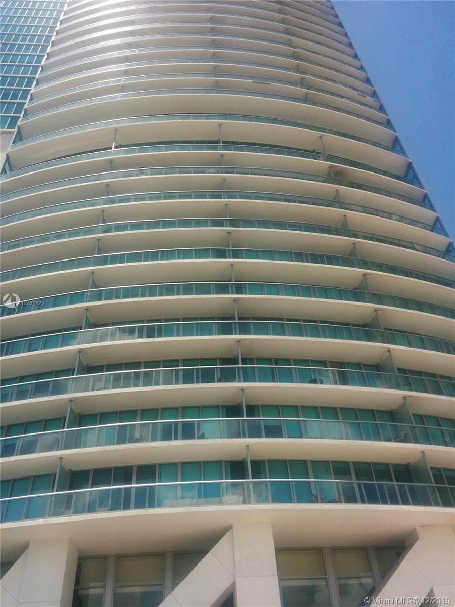 Beautiful Bay and city view,  1 bedroom 1.5 bath apartment, marble floor, in the center of the city,