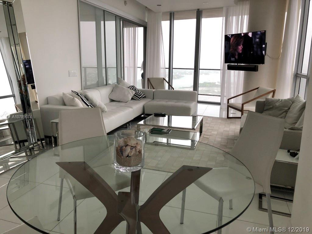 Spectacular unit! apartment fully furnished, ready to move in, just bring in your luggage and sleep.