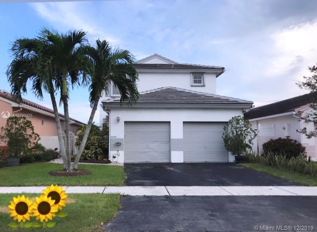 Spacious Lake view Single Family Home in Pembroke Pines !! Located in the community of Chapel Trail Profiles II. Two story 4 bedroom 2.5 baths home with great potential and to enjoy family time with. Nice kitchen. Screened patio. Community Pool. Great location, close to schools, shopping centers and major highways. Easy to show.