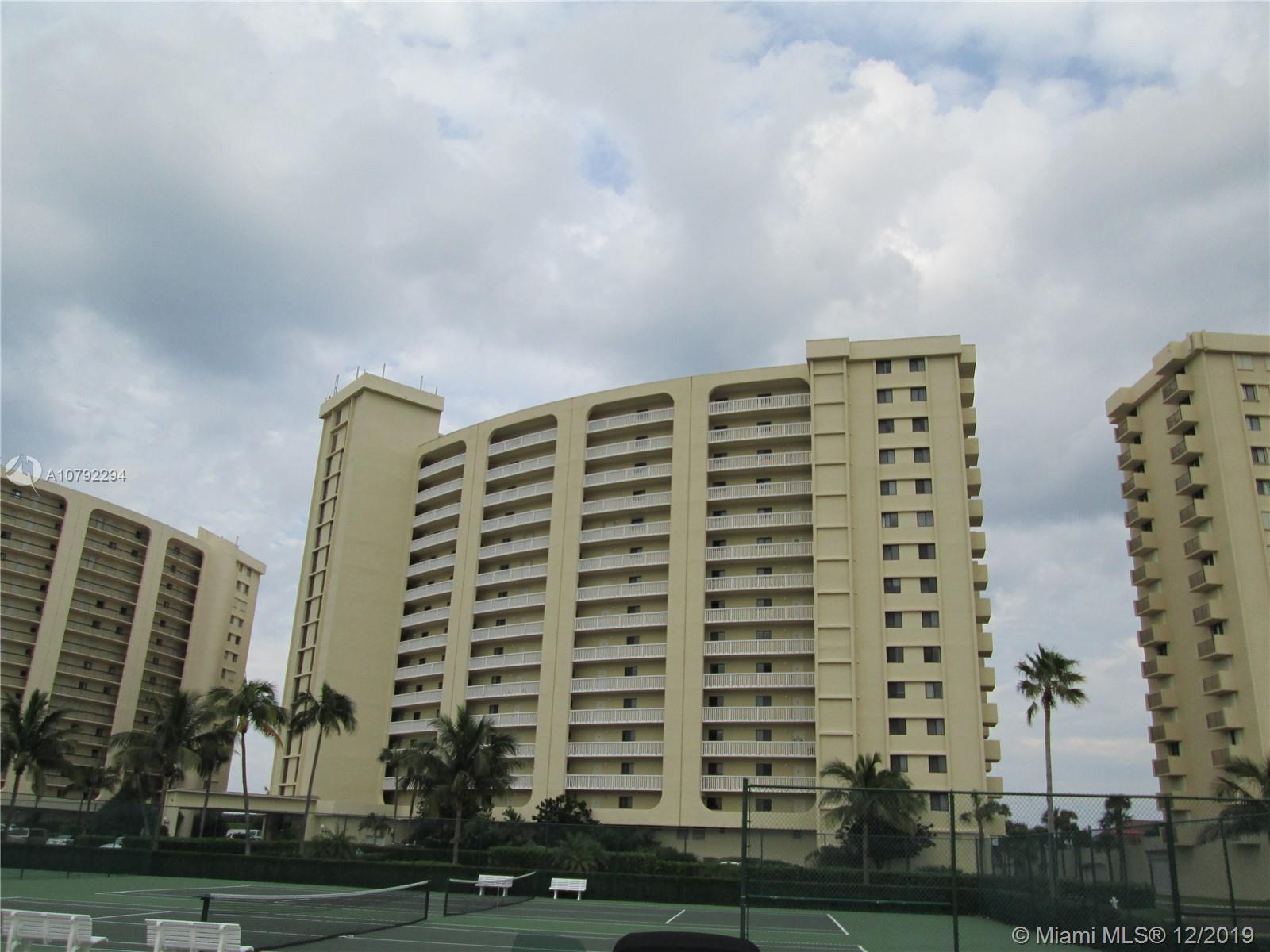 VACANT - EZ TO SHOW!!  END UNIT WITH STELLAR VIEWS OF THE OCEAN AND CITY.  POPCORN CEILINGS REMOVED,