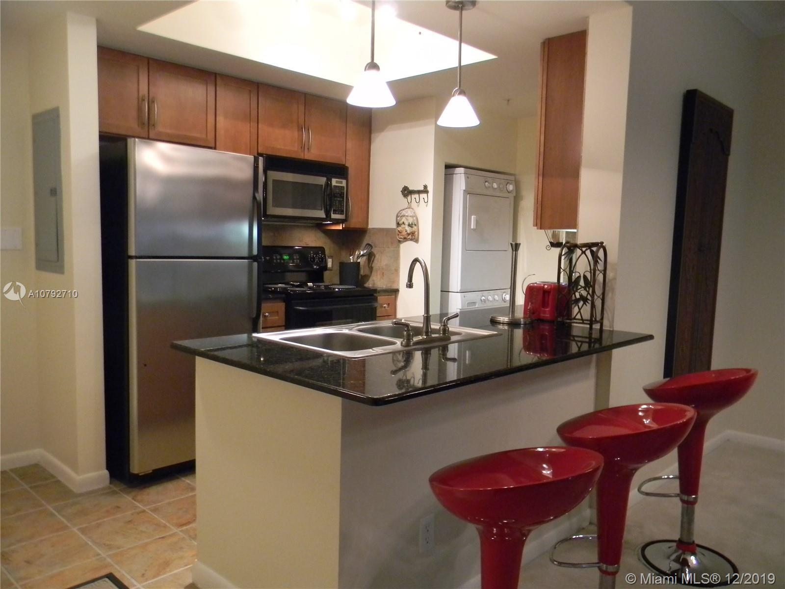 This condo has the largest 1 BR floor plan at Cite: mint 1/1 with newer shiny & elegant marble tiles