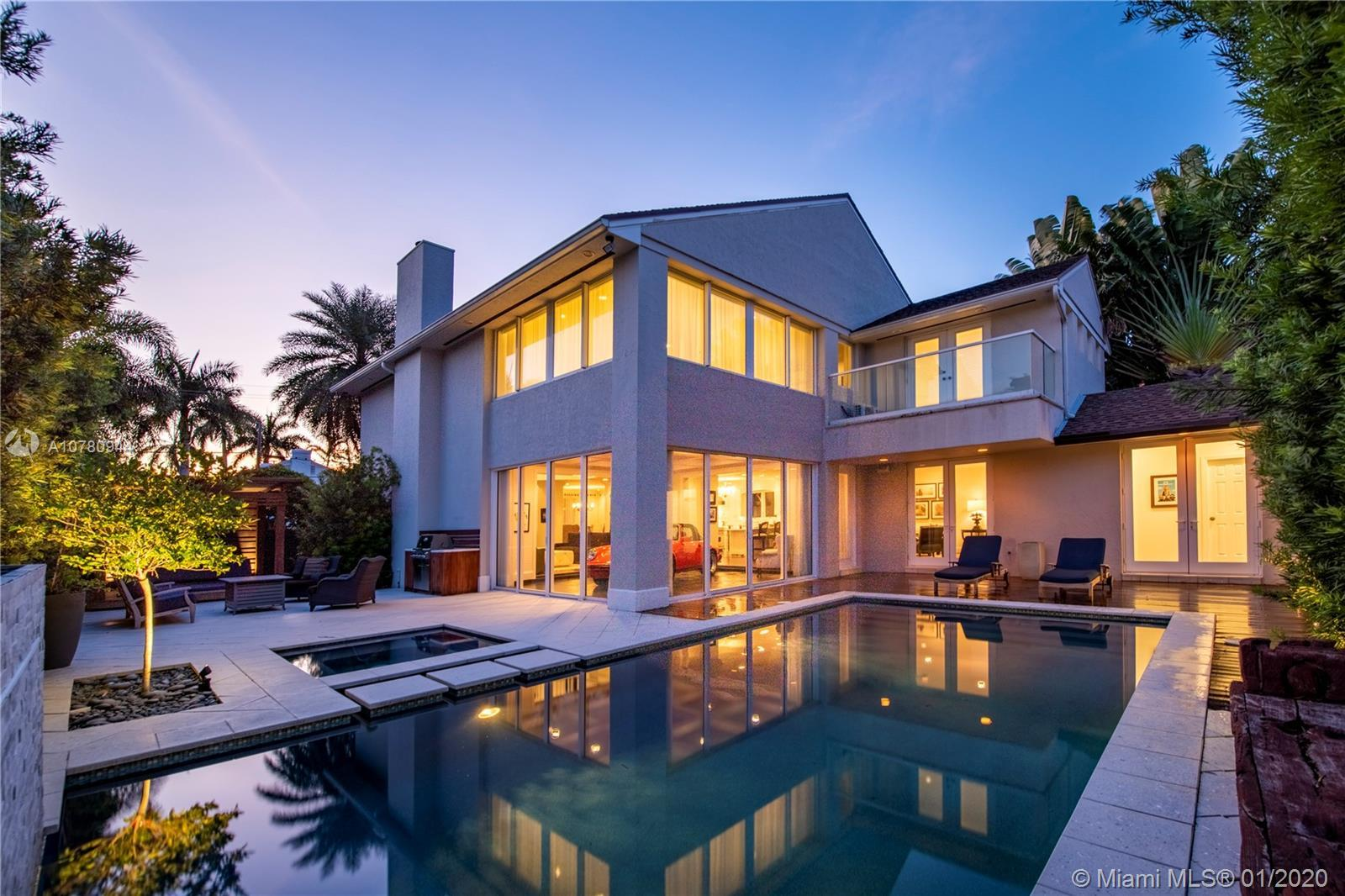 Nestled away in Idlewyld - one of Ft Lauderdale's most prestigious, gated communities. 524 Poinciana