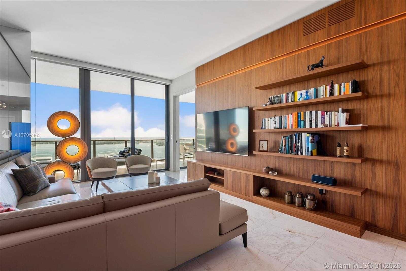 GranParaiso 4904. This is the highest floor 2 bedrooms in the 04 line. One of the Best line in the b