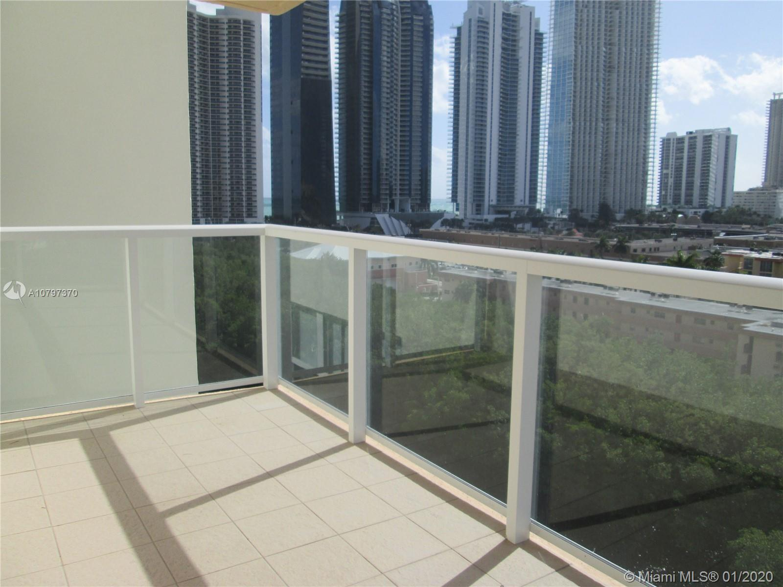 Enjoy beautiful view of the Intracoastal and City from this elegant 2/2 bedroom located on the 10th