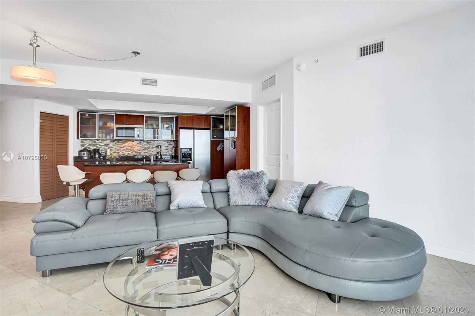 Live the life of luxury in this phenomenal unit! Amazing Edgewater location is minutes away from eve