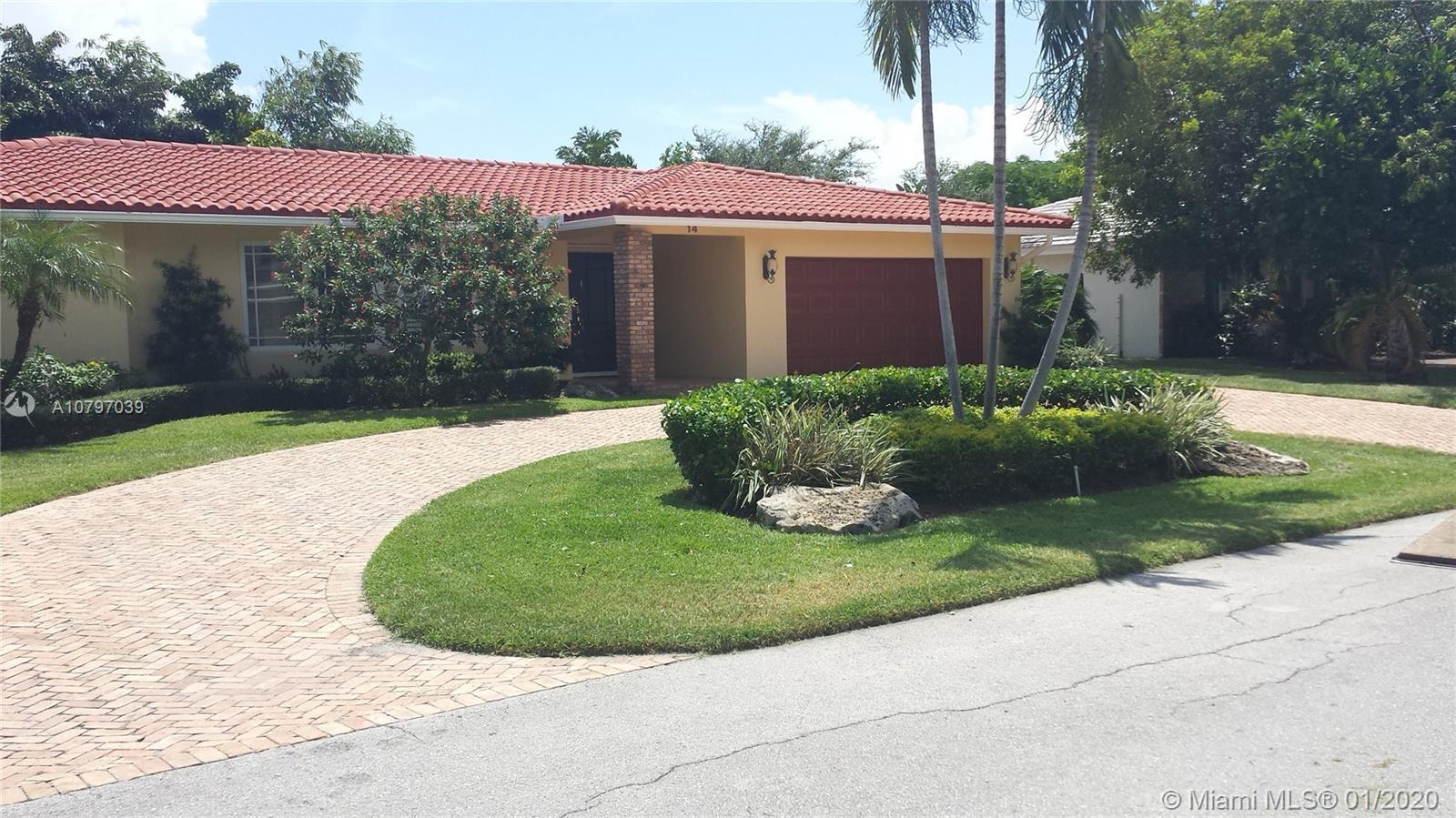 This is a nice 4 bed 3 bath beach house with 2 car garage and pool cabana out back by pool area. Imp