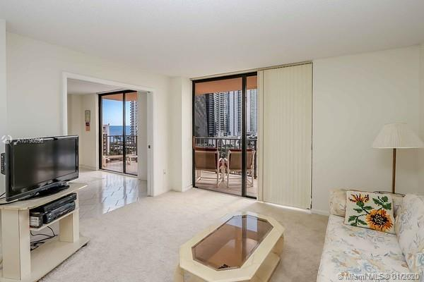 NEW 3 BEDOOMS AND 2 BATH APT IN WINSTON TOWERS, WELL KEPT AND ALSO OPEN FOR PERSONAL TASTE AND UPGRA