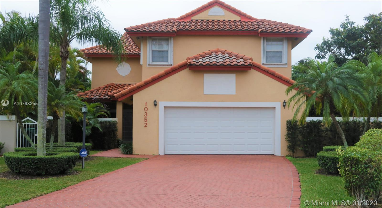 Beautiful property in the prestigious community of Doral Dunes. The interior features 4 bedrooms, 2