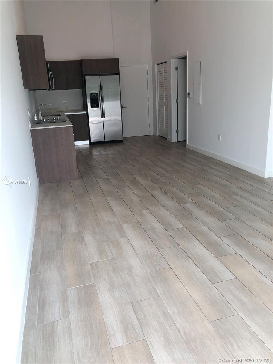 Nice opportunity 1/1 unit with large  terrace.....in fantastic building ...the unit will be rented u