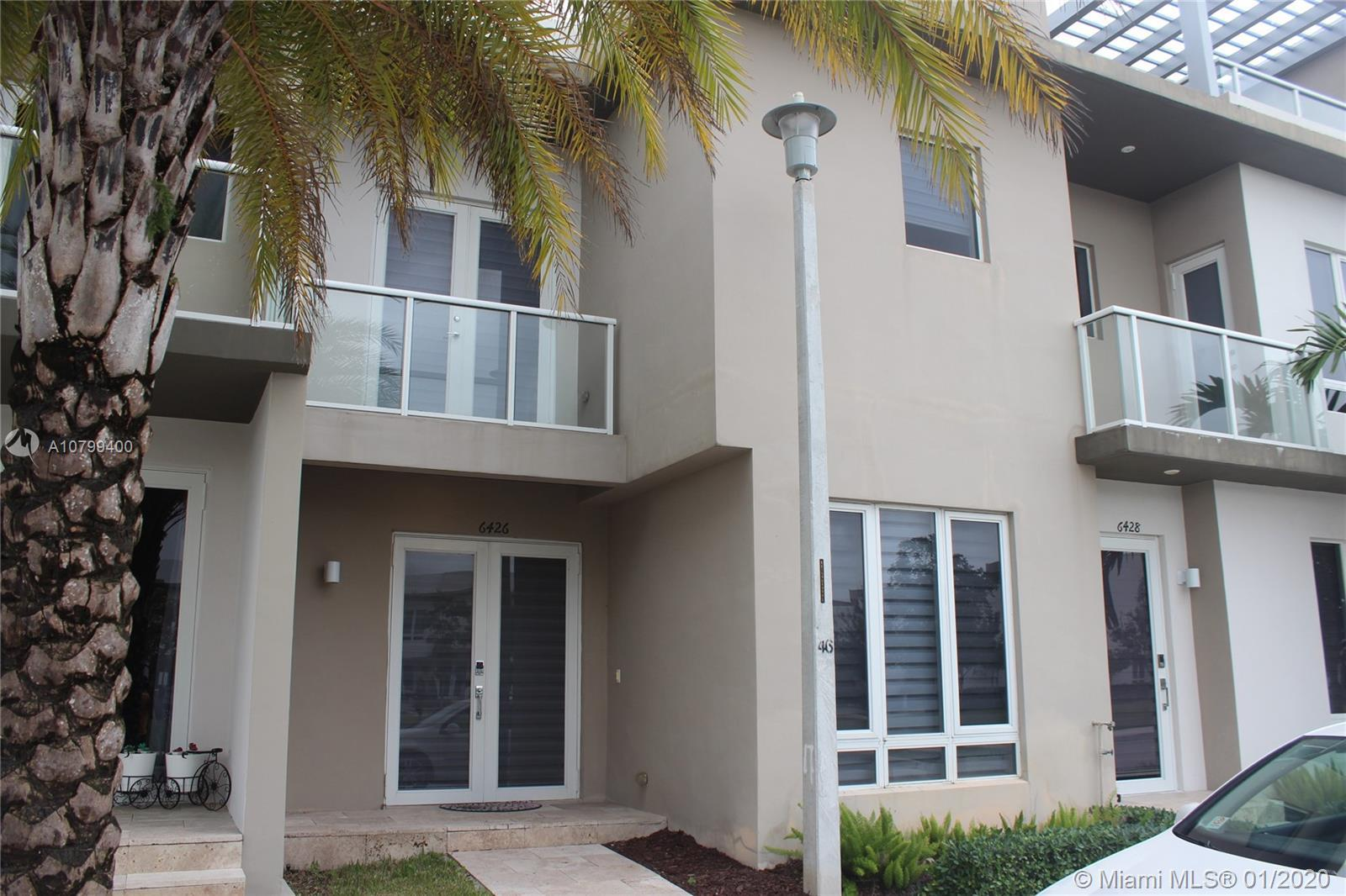 BEAUTUFUL 4 BEDROOMS 3 BATH COSMO CHIC 2 - STORY TOWNHOUSE AT LANDMARK DORAL, MODERN CONCEPT, NEW DE