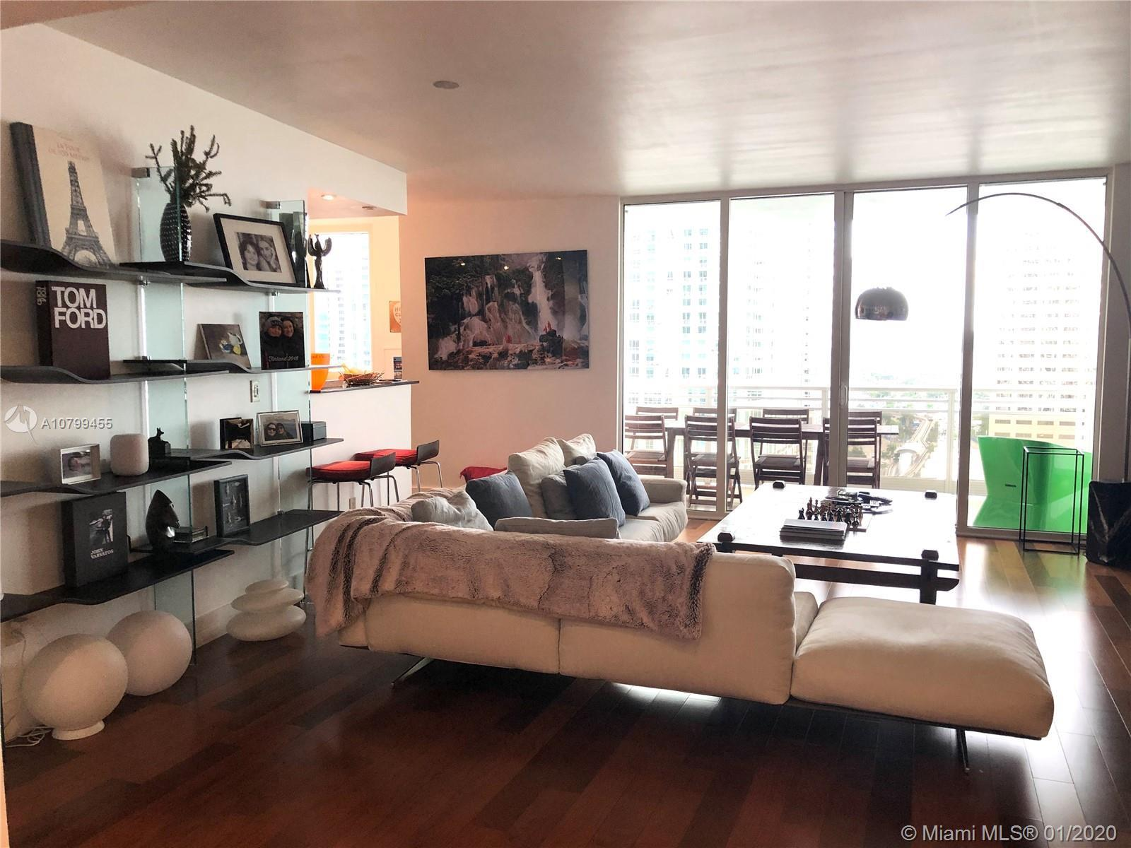 Miami Riches Real Estate presents 3bed/2.5baths at Carbonell condo in Brickell Key. Enjoy amazing ba