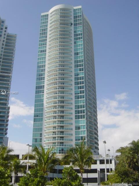 BEAUTIFUL 1BE/1BA WITH CITY AND WATER VIEWS. FLOOR TO CEILING WINDOWS, GRANITE COUNTER-TOPS,HUGE BAL