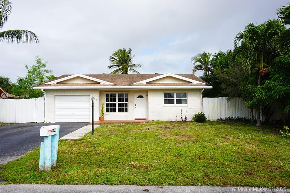 Beautiful 3 bedroom, 2 bath home in Palm-Are Village located on a cul de sac. Updated open design wi