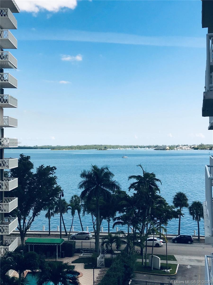 Brickell Shores is a gated bayfront building in a spectacular location. This unit features a 1/1 wit