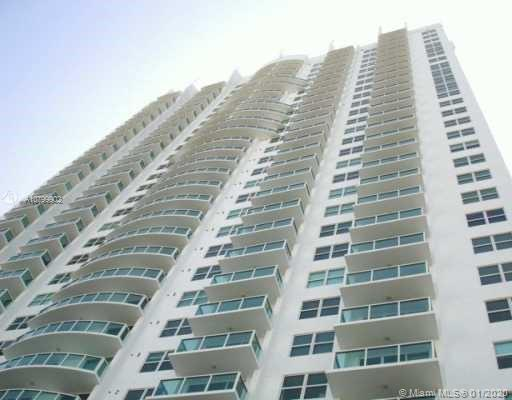 2/2 Unit with Miami river and city view. Amenities including pool, gym, business center. Convenientl